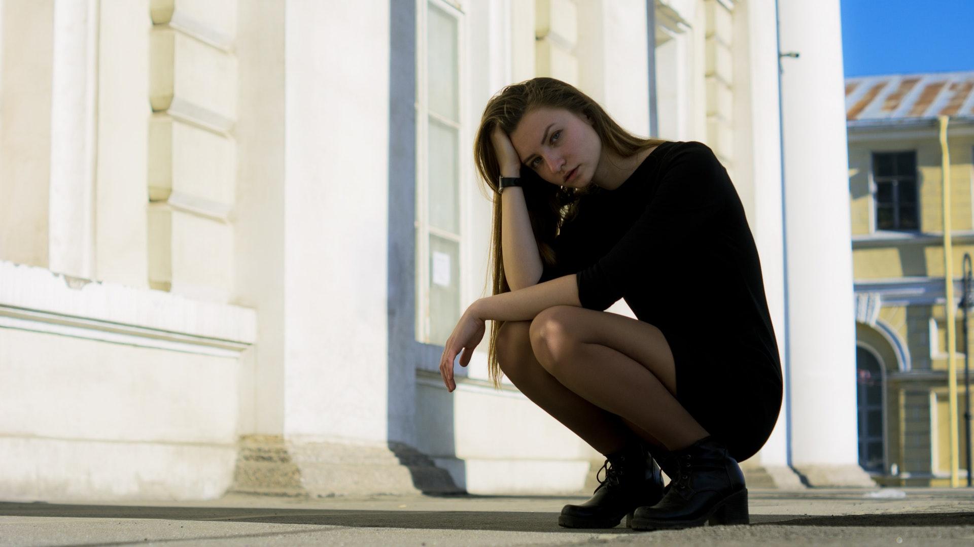 アラフィフ独身女性は魅力的なはずなのに煙たがられる50代独身女の特徴